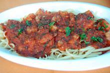 Συνταγή: Λιγκουίνι με γαρίδες, δυόσμο, σκόρδο, μπούκοβο