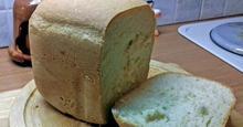 Σπιτικό, χωριάτικο ψωμί φτιαγμένο στον αρτοπαρασκευαστή