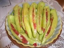 Κέρατα πιπεριές με ντομάτα και φέτα