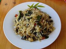 Noodles με λαχανικά και wakame φύκια