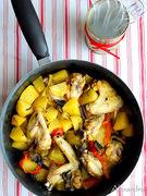 Κοτόπουλο με μουστάρδα και κάρυ στη γάστρα