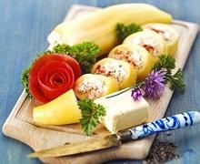Πιπεριες κερατα γεμιστες με φρεσκο τυρι