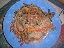 Νουντλς ρυζιού με λαχανικά