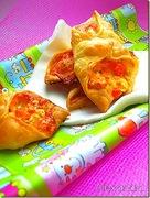 Πιτάκια με μοτσαρέλα φέτα και ντομάτα