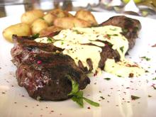 Sometimes i gotta have steak  μερικές φορές χρειάζομαι και μιαμπριζολίτσα!
