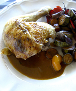 Fragrant roast chicken with pan-juice gravy  το πιο νόστιμο κοτόπουλο με σάλτσα που έχετε φάειποτέ!