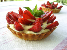 Delicious strawberry tarts υπέροχες τάρτες φράουλας