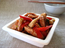 Chicken with red peppers and cashew nuts  κινέζικο κοτόπουλο με κόκκινες πιπεριές καικάσιους