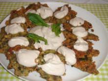 Λαχανοκεφτέδες με σάλτσα γιαουρτιού