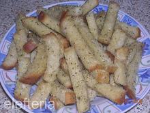 Αλμυρά σνακς με παλιό ψωμί