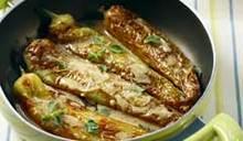 Πιπεριές κέρατα με σάλτσα από ξίδι, λεμόνι και ρίγανη