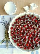 Τάρτα με κεράσια ή φράουλες