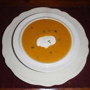 Καροτόσουπα με πορτοκάλι  (της βίκυς)