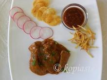 Αυθεντική συνταγή για μοσχάρι στρογκανόφ και ρυζοκεφτέδες