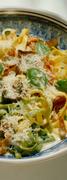 Συνταγή: tαλιατέλες με σκορδάτο σπανάκι και τοματίνια