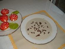 Μανιταρόσουπα ...με ξερά μανιτάρια βασιλικά και καλογράκια.