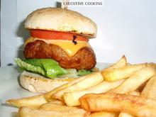 Burger με σαλτσα bbq