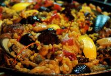Μακεδονίτικη παέγια με θαλασσινά και καλαμάρια