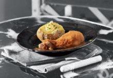 Κοτόπουλο πανέ με πατάτες φούρνου