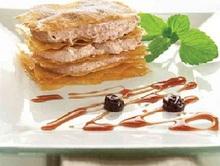 Φυλλο ναπολεων με ελληνικο γιαουρτι και γλυκο κουταλιου βυσσινο