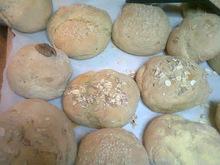 Χωριάτικα ψωμάκια γεμιστά