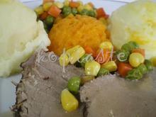 Ρόστο κατσαρόλας με πουρέ καρότου και σάλτσα