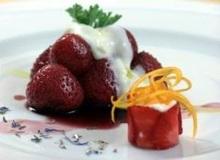 Φραουλες με μελι και κανελα