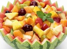 Φρουτοσαλάτα με ξερά φρούτα, μέλι καικαρύδια