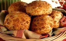 Ψωμάκια ελιάς με κρούστα παρμεζάνας