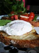 Αν το αυγό ποσέ γνωρίσει τη μεσόγειο...