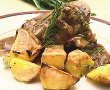 Κατσικακι με πατατες σαφραν