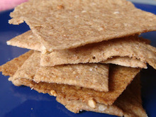 Whole grain salty crackers with a hint of garlic
