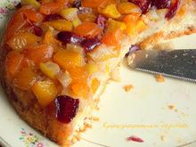Αναποδογυρισμένη πίτα με φρούτα εποχής