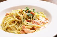 Spaghetti με καπνιστό σολωμό και βότκα