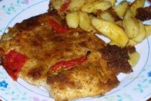 Κοτόπουλο πανέ με κρακεράκια και πατάτες στο φούρνο