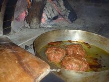 lixoudis.gr// Μπιφτέκια  φούρνου αφρατα με πατατες