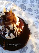 Φωλιές μαρέγκας με κάστανο και  χλιαρή ganache πικρής κουβερτούρας