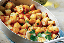 Spicy roast potatoes with a vegetable stew sauce