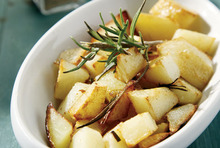 Melt-in the-mouth potatoes with rosemary