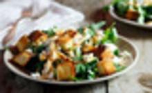 Σαλάτα με κοτόπουλο και κρουτόν